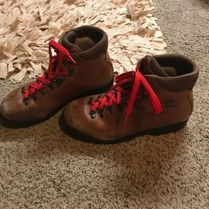 Scarpa Shoes - Scarpa 41 leather hiking boots brown EUC
