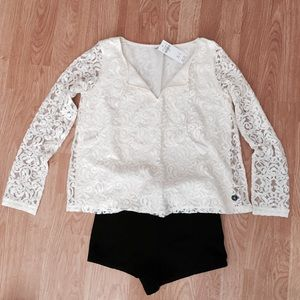 Tops - Hollister laced peasant top