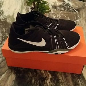 Nike Shoes - Women's Nike Free TR 6 Black and White Running