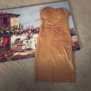 Dresses & Skirts - Gold cocktail tube dress. Small