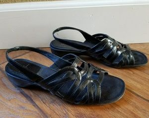Life Stride Shoes - Life Stride Womens Black Slip On Sandals size 8.5