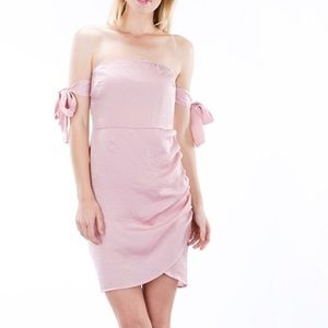 Dresses & Skirts - Silky Sleeve Ribbon Tie Dress By Auditions