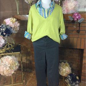 Sejour Pants - Sejour gray capri and tops outfit