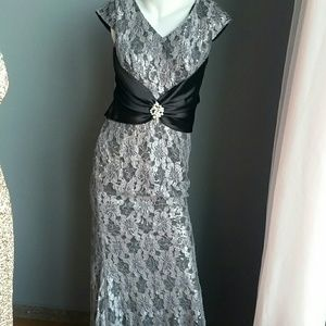 Dresses & Skirts - Lece dress