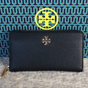 Tory Burch Handbags - NEW TORY BURCH MERCER CONTINENTAL ZIP WALLET