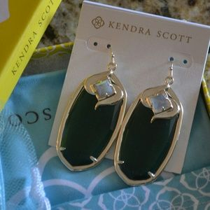 Kendra Scott Gabby Earrings in Green Mamba