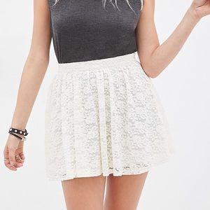 NWOT Forever 21 blue/white floral skirt