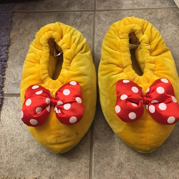 Disney Shoes | Oversized Minnie Mouse
