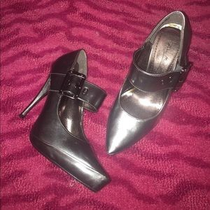 Anne Michelle Shoes - Sz 6.5 Gunmetal Pointy toe Mary Janes