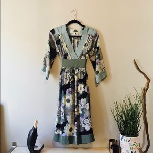 corey lynn calter Dresses & Skirts - Silk Kimono Midi Dress. Size 2.