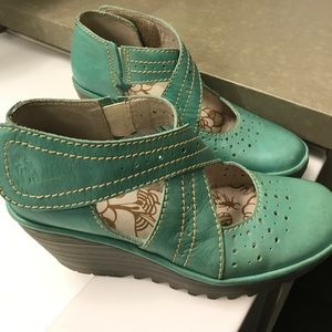 Fly London Shoes - 🦋 SALE!! 🦋 Lovely Fly London Platform Shoes