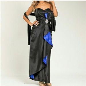 Dresses & Skirts - NWT rhinestone embellished dress