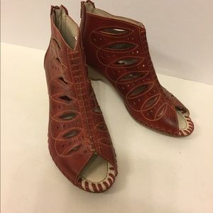 PIKOLINOS Shoes - Pikolinos cutout Booties NEW