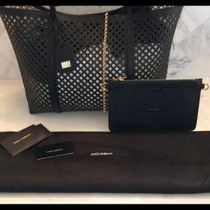 Dolce   Gabbana Bags   Soldnwt Dolce Gabbana Tote   Poshmark 8f365570f9