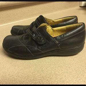 Clarks Shoes - CLARKS ARTISAN UNSTRUCTURED BLACK SLIP ONS SZ 6.5