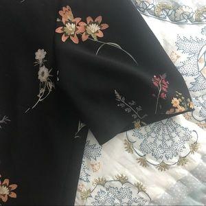 Zara Tops - Zara boxy black floral top, size small