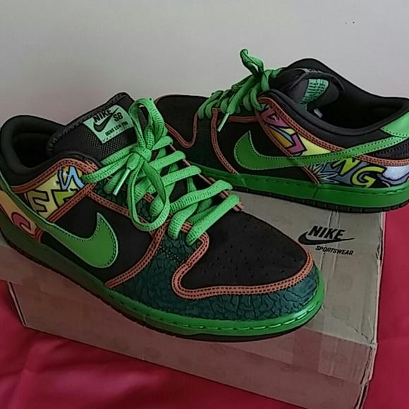 2e230eb24d NEW Nike SB Dunk Low PRO De La Soul  789841 332. M 5911bea62fd0b7399a12e27c
