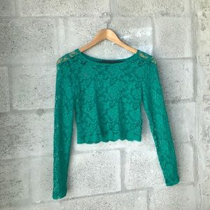 Green stretch lace long sleeve crop top