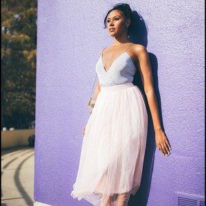 Boohoo Dresses & Skirts - Boohoo tall tulle skirt with lining