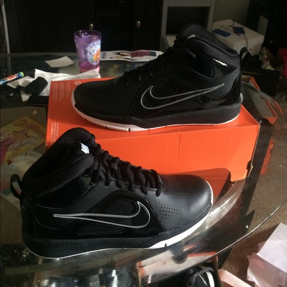 nike new nike youth kids basketball sneakers from gs