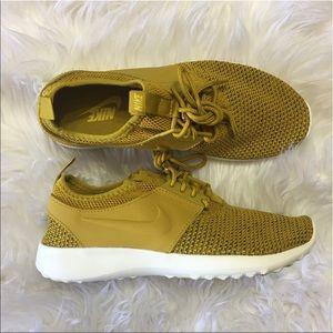 Nike Shoes - 🌹SALE❗️❗️🌹 Nike Juvenate