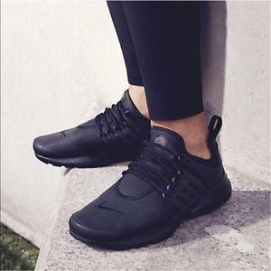 Nike Shoes - 🌹SALE❗️❗️🌹 Nike Air Presto PRM
