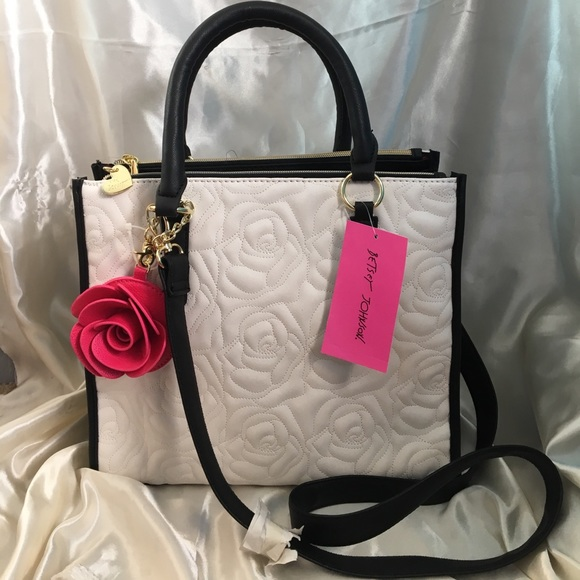 bc9ce5d32f 💋SALE💋NWT Betsey Johnson Rose Quilted Satchel