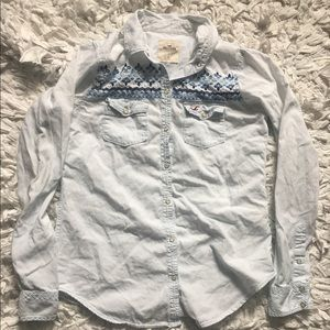 Hollister Tops - Hollister light wash chambray Button Down size Sm