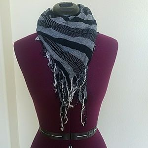 Black and Grey Triangle scarf