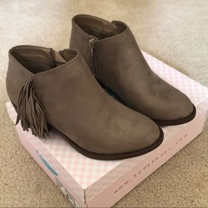 Shoes - Clay ankle booties