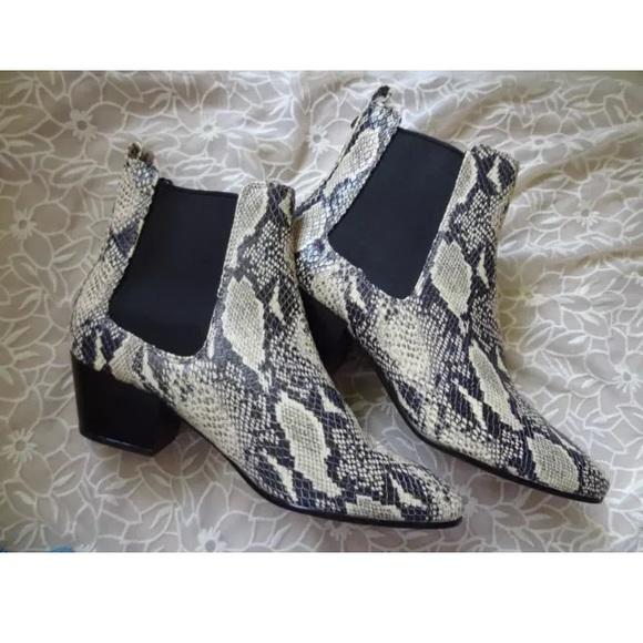 0f43ac09881bf3 10 Sam Edelman reesa snakeskin boots NEW