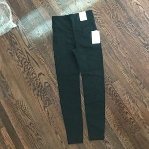 NWT Gap Maternity athletic leggings sz S black