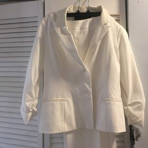 Tops - Brand new never has been worn white pant suit