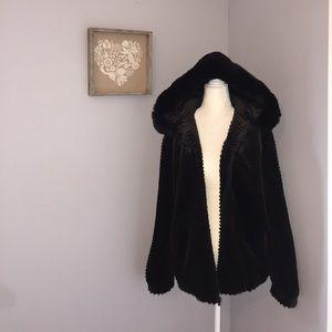 Gallery Jackets & Blazers - Faux fur coat