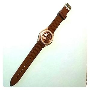 Brown Minnie Mouse watch!