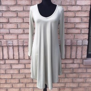 Dresses & Skirts - Light green A-line dress