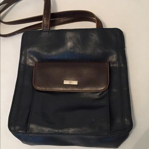Liz Claiborne Handbags - 🎉🎉2 for $15🎉🎉 Navy/brown leather shoulder bag