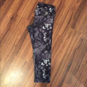Umbro Pants - Umbro Crop Leggings with Hidden Pocket