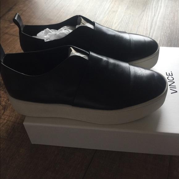 3e3ca3d96ad Vince Wallace leather slip on sneaker. M 5912310578b31cf0831472e9