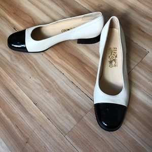 Salvatore Ferragamo Shoes - Salvatore Ferragamo black and cream Vera pump heel