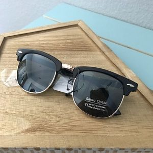 Other - • Club Classic Kids Sunglasses