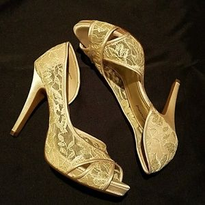Lulu Townsend Shoes - 🆕 Champagne D'orsay Lace Heels