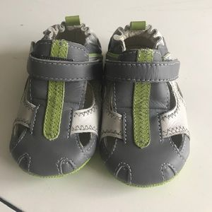 Robeez Other - Robeez US 3 6-9 month shoes