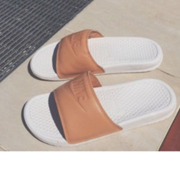 Nude Nike Benny Benassi slides. M 59123d1fa88e7d3fa601a473 5527fcc13