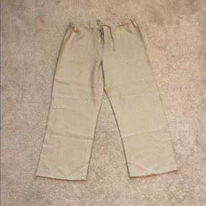 Mossimo Pants - Woman's Mossimo Capri pants.
