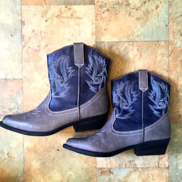 b66c17bfb21 ASOS Cowboy Boots