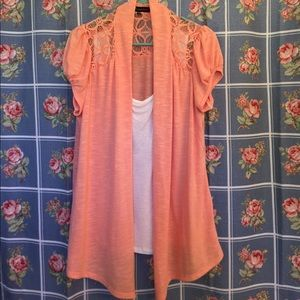 HeartSoul Tops - Heartsoul plus top peach/white nice short sleeves