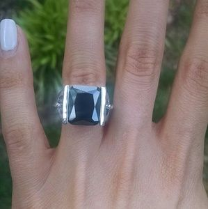 Lia Sophia black cz Thriller Cocktail Ring sz 6