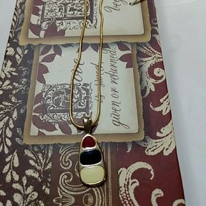 Jewelry - Vintage necklace on rope chain