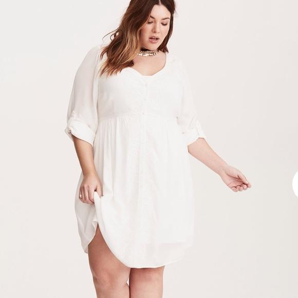 b8c5fe0aa4c NWT Torrid Embroidered Gauze Shirt Dress